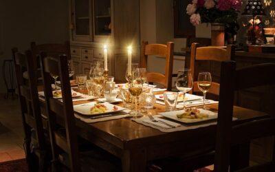 Byd dine gæster velkommen med et dækket bord